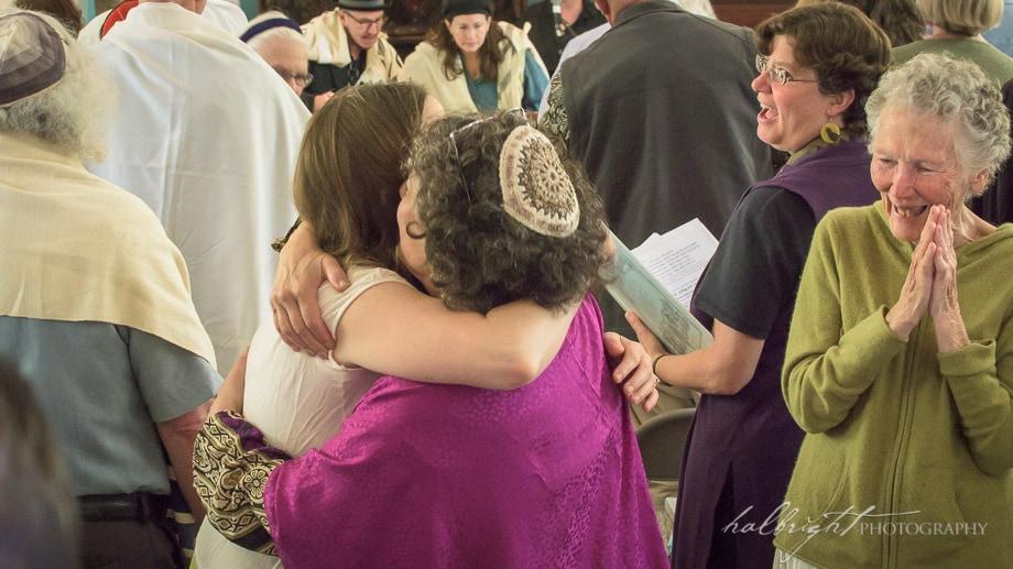 Rabbi Saraleya Schley greets another member of Chochmat Halev