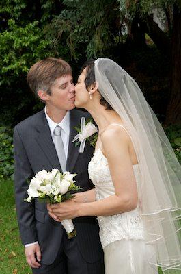Brides with Bouquet Kissing - Berkeley Faculty Club Wedding - UC Berkeley Wedding